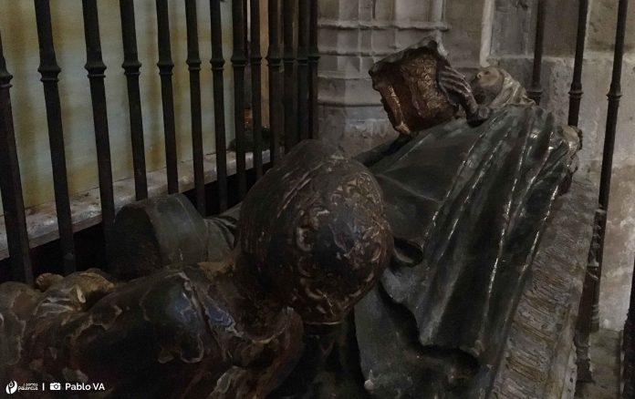 Sepulcro de Doña Inés de Osorio. Catedral de Palencia. San Antolín