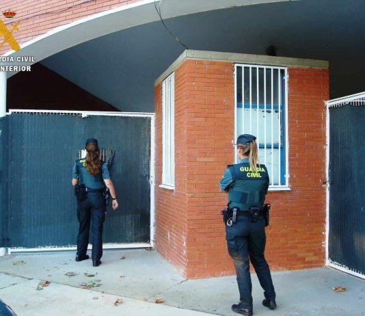 Detenidos siete jóvenes supuestos autores del robo con fuerza en el bar de las piscinas municipales de Villamuriel de Cerrato